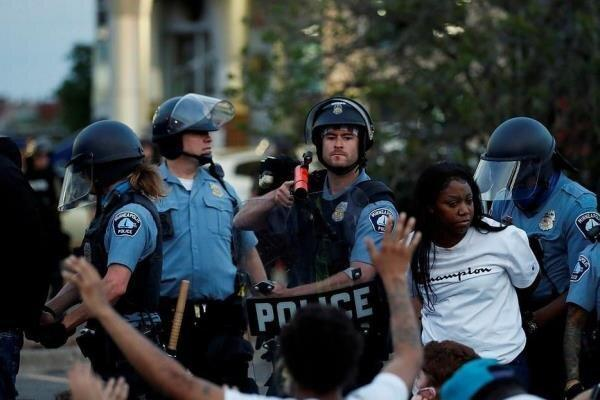 پلیس در مقابله با معترضین از تجهیزات آسیب رسان استفاده نکند